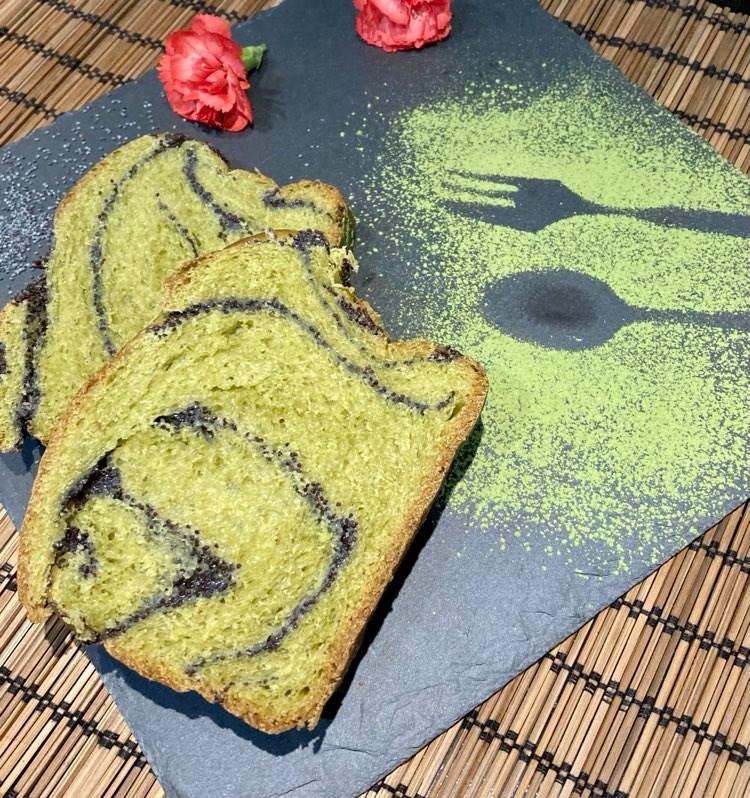 Matcha-Mohnkuchen